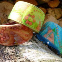 Jetzt sind es 3 Hippie- Halsbänder...eins fehlt noch!